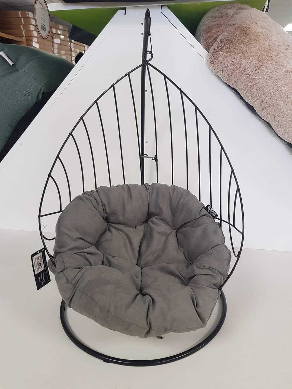 Caviar metalen hangstoel 55x35x98cm